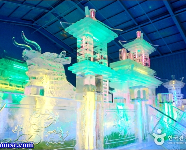 Hwacheon Sancheoneo Ice Festival (12)